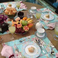 Bom dia para quem vai ser feliz nesse domingo!  #cafedamanha #mesaposta #mesa #jogoamericano #floral #domingo #felicidade #paranatex #tecido #textil
