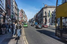 Dame Street - Dublin (Ireland) 7 Continents, Dublin City, Busy City, Places Of Interest, Dublin Ireland, Bustle, Best Memories, Shades Of Green, Street Photography
