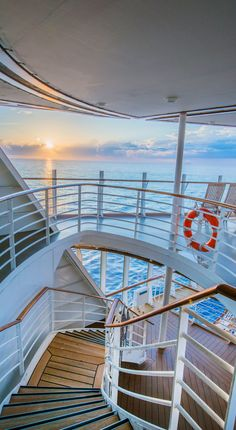 "See our website for even more information on ""royal caribbean ships"". It is actually an exceptional place to read more. Cruise Travel, Cruise Vacation, Dream Vacations, Cruise Tips, Shopping Travel, Royal Caribbean Ships, Royal Caribbean Cruise, Cruise Ship Pictures, Grandeur Of The Seas"