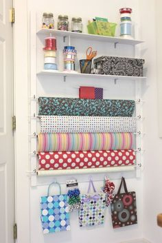 How to organize an inexpensive gift wrapping station
