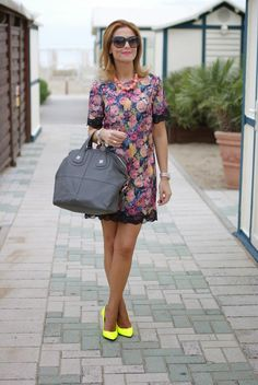 flowers and lace dress, Zara, Givenchy Nightingale, Fashion and Cookies, fashion blogger