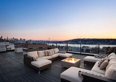 Contemporary Deck with Rooftop deck, Fire pit Rooftop Terrace Design, Rooftop Patio, Patio Roof, Rooftop Bar, Fire Pit Furniture, Patio Furniture Covers, Furniture Layout, Painted Furniture, Furniture Ideas