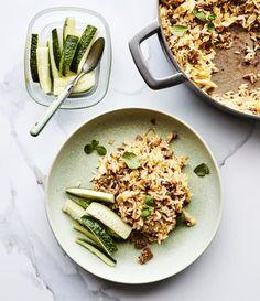 Kaalilaatikko kasarissa | Liha, Arjen nopeat, Padat ja laatikot | Soppa365 Feta, Risotto, Curry, Ethnic Recipes, Curries