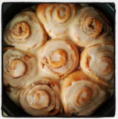 White Lights on Wednesday: Pioneer Woman's Cinnamon Rolls
