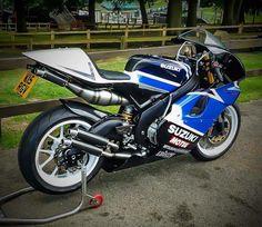 RGV500 RG500 motor, RGV250 frame. 2 stroke heaven :)