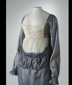 Dress interior 1813 uvm.edu  Could the Cranach gown be constructed similarly, with the front being tucked INSIDE the sides?