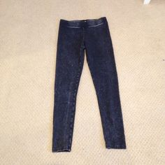 Aeropostale Tokyo Darling Leggings These are super cute Tokyo Darling leggings from Aeropostale. They have been worn once! They are a size medium. Perfect for layering! Aeropostale Pants Leggings