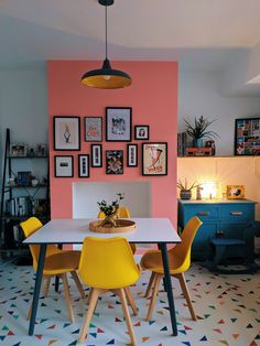 5 Master Bedroom Essentials to Create Your Ultimate Retreat Diy Dining Room, Dining Room Decor, Decor, Dining Room Colors, Dining Room Combo, Kitchen Dining Room Combo, Orange Dining Room, Home Decor, Pink Kitchen Walls