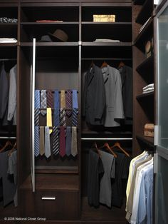 Custom Closets To Die For// Www.spacemanager.com #closet #customcloset