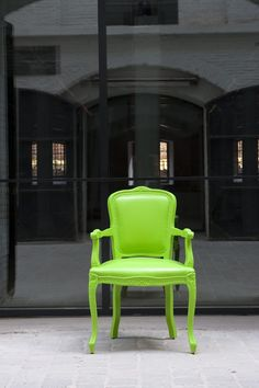 Louis1 Breakout Furniture