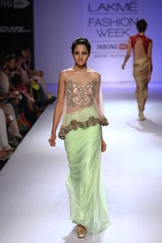 Sonaakshi Raaj Runway: Lakme Fashion Week Winter/Festive 2014