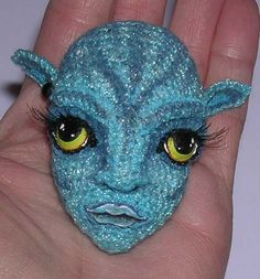 Remember the Movie? Beautiful Avatar Crocheted face. /;)visiting her site is amazing :) what she does with this tiny face :)