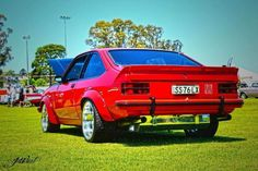 Holdens and Cool Cars Aussie Muscle Cars, Top Cars, Australia, Cool Stuff, Vehicles, Hot, Type 3, Theater, Running