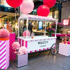 Event designer and stylist, Jason James Design. Custom designed Donut cart pop up, visual merchandising and styling. Wedding, birthday and event designer #jasonjamesdesign