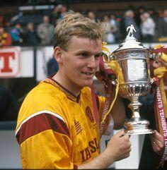 Stevie Kirk Motherwell Fc, Football Players, Legends, Stars, Retro, Soccer Players, Sterne, Retro Illustration, Star