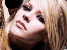 Avril Lavigne HD Wallpapers 10