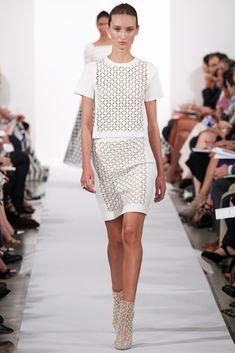 Oscar de la Renta Spring 2014 Ready-to-Wear Fashion Show - Alex Yuryeva