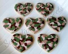 Serendipitous Sweets: camo hearts - love her patterning using our basic heart cookie cutter. Would also be cute in pink camouflage too!