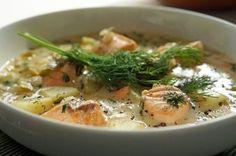 Еще больше рецептов здесь https://plus.google.com/116534260894270112373/posts  Финский суп с лососем и картофелем  Ингредиенты: 1 крупная луковица 500 гр филе лосося 5-6 картофелин 750 мл рыбного бульона 100 мл жирных сливок пучок укропа приправы, соль, перец кусочек сливочного масла  Приготовление: 1. В кастрюле с толстым дном обжарить измельченную луковицу.  2. Добавить картофель и продолжать обжаривать около десяти минут. Посолить, поперчить, залить рыбным бульоном. Варить картофель до…