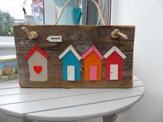 BEACH HUTS SIGN PLAQUE DRIFTWOOD NAUTICAL £24.99