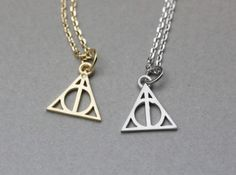 Product description Deathly hallows necklace - Harry Potter Jewelry Suitable for every party or costume,easy to match also it can as a gift to your friends, lover, family...   Size/Dimensions/Weight D