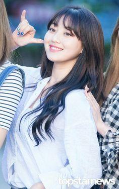 park jihyo   asian   pretty girl   good-looking   kpop   @seoulessx ❤️ Kpop Girl Groups, Korean Girl Groups, Kpop Girls, Extended Play, Nayeon, Asian Woman, Asian Girl, Oppa Gangnam Style, Park Ji Soo