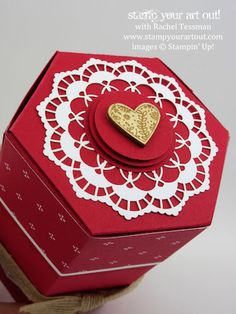 Valentine gift box made with the Window Box Thinlits & products from the Sending Love Suite… #stampyourartout - Stampin' Up!®️️ - Stamp Your Art Out! www.stampyourartout.com