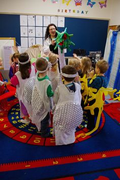 This is our The Body Investigators workshop in action. Children experience what an unhealthy body looks & feels like, as brain neurons, blood cells and gastric juices. Preschool Body Theme, Brain Neurons, Drama Gif, White Blood Cells, Body Systems, Health Lessons, Human Body, Drama Videos, Workshop