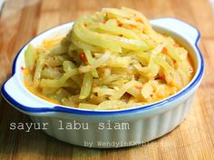 Table for 2.... or more: Chayote in Spicy Coconut Milk @ Sayur Labu Siam
