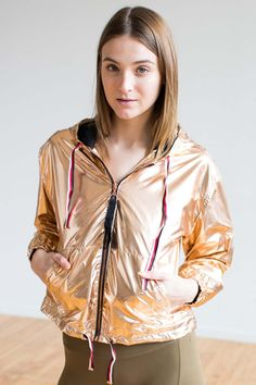 Stand out this New Year in a new Rose Gold Metallic windbreaker! Anorak Jacket, Windbreaker Jacket, Hooded Jacket, Metallic Jacket, Womens Windbreaker, Sixties Fashion, Current Fashion Trends, Rain Wear, Athletic Wear