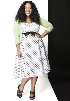 Humbly Haute Dress, --this look, plus the Charter School Cardigan in mint Curvy Girl Fashion, Retro Fashion, Plus Size Fashion, Retro Vintage Dresses, Retro Dress, Unique Dresses, Cute Dresses, Fashion Gallery, Dress To Impress