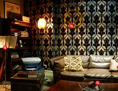 360° of Sherlock's apartment—love this space!