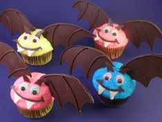 I am so making these for Kimball's halloween party!!