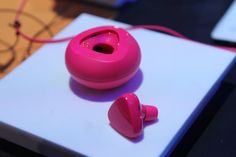 The Nokia Luna headset, which is a new unit due out at the end of January, is designed to go along with its new Lumia smartphones. http://tnw.to/1Cm1X