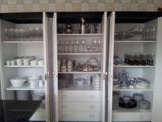 cocina con un armario desayuno abierto - Buscar con Google