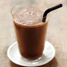 Recette lait frappé à la noisette - Cuisine / Madame Figaro
