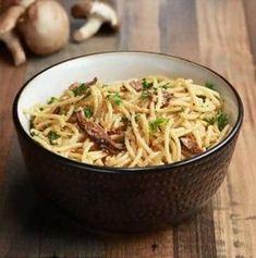 Καρμπονάρα νηστίσιμη Macaroni And Cheese, Vegan Recipes, Spaghetti, Cooking, Ethnic Recipes, Kitchen, Food, Mac And Cheese, Vegane Rezepte