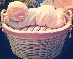 Tendance Basket 2017 Adorable Sleeping Diaper Baby by LuxeMotifBoutique on Etsy Baby Shower Diapers, Baby Shower Games, Baby Shower Parties, Baby Shower Crafts, Shower Gifts, Bricolage Baby Shower, Diaper Crafts, Shower Bebe, Baby Baskets