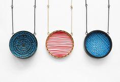 (c) Studio Zigzag - SNEM YILDIRIM - - Snem Yildirim & Didem Yildirim sont deux soeurs, originaires de Turquie et créatrices du Studio Zigzag, installé à Istanbul et à Ankara depuis 2013. Leur particularité? Tester les matériaux et créer des ponts entre art contemporain et bijouterie, entre tradition et modernité. Rencontre avec Snem.