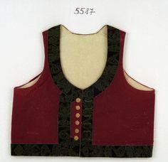 i.č. 5587 - kordulka, z tmavě červeného sukna, lem ze zelené postřihované porty, kovové knoflíky. Rozměry: d zad 38cm, koupě, stav dobrý, Rožnov pod Radhoštěm, 1845.