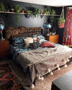 44 Beautiful African Bedroom Decor Ideas - All About Decoration African Bedroom, Home Bedroom, Home Decor Trends, Home Decor, Apartment Decor, Minimalist Bedroom Color, Trending Decor, Bedroom Colors, Rustic Bedroom