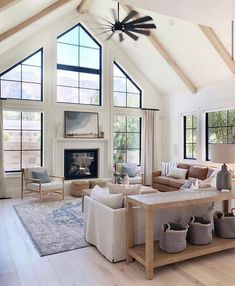 Living Room Interior, Home Living Room, Hill Interiors, Home Fashion, Home Builders, Decoration, Custom Homes, Sweet Home, New Homes