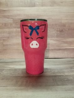 """Piggy Tumbler so in love! Diy Tumblers, Custom Tumblers, Vinyl Crafts, Vinyl Projects, Tumblr Cup, Pig Stuff, Cup Crafts, Cute Cups, Glitter Cups"