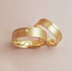 Couple Rings Gold, Engagement Rings Couple, Gold Rings, Wedding Rings Sets His And Hers, Diamond Wedding Rings, Couple Ring Design, Gold Mangalsutra Designs, Mens Gold Jewelry, Gold Ring Designs