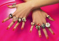 accessorize | muitos anéis de todos os formatos, e tamanhos...
