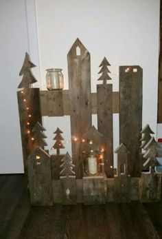 Hello, I am offering a Christmas decoration from old pallets. - Hello, Offer a Christmas decoration from old pallets. Decoration Christmas, Outdoor Christmas, Rustic Christmas, Holiday Decor, Handmade Christmas, Christmas Projects, Christmas Time, Xmas, Deco Noel Nature
