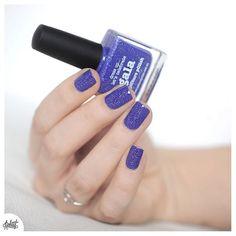 Je vous présente Gala le petit bleu violet (à la grisaille, au soleil il est plus violet!) de la collection de printemps de #picturepolish et j'en profite pour envoyer plein d'amour à toutes les mamies du monde ❤️ bon dimanche les Npa ❤️