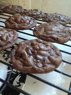 Sweet Life Kitchen: Chocolate Chip Mocha Fudge Cookies