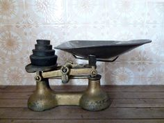 Vintage Kitchen Scale & Weights by MonsieurRenardsAttic