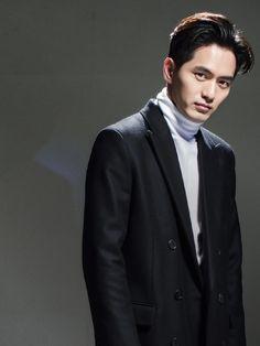 Lee Jin Wook - CINE21 Issue No. 1020 Asian Men, Asian Guys, Lee Jin Wook, Asian Celebrities, Korean Star, Korean Actors, Comebacks, Kdrama, Singer